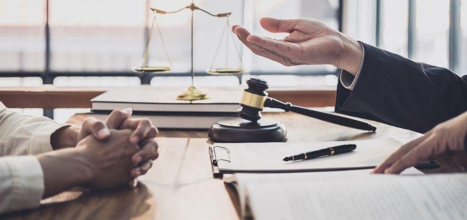 Страховой адвокат, юрист по страховым спорам, онлайн консультация, цена в Москве и РФ