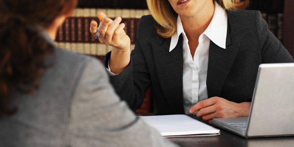 Юрист, адвокат по защите прав потребителей, онлайн консультация, цена в Москве и РФ